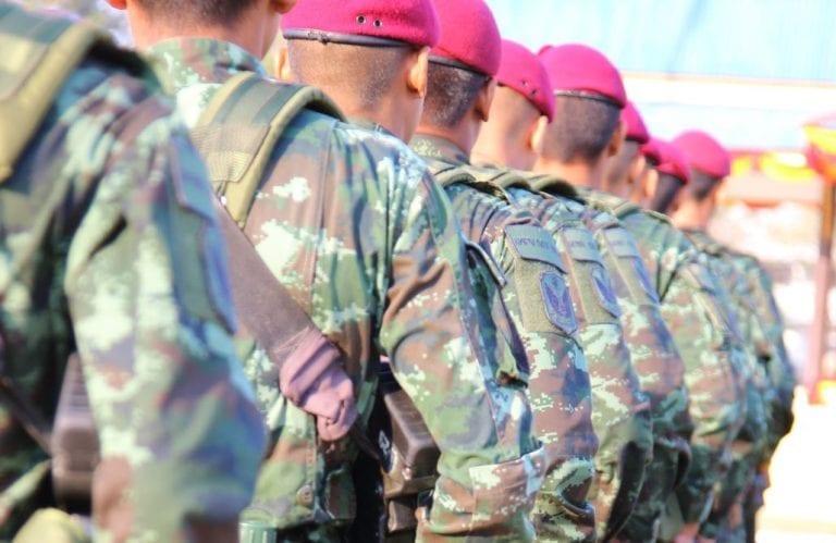 Pour ou contre le service militaire obligatoire